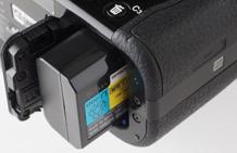 【清洁养护名家谈】摄影器材养护答疑之待机时要不要取电池